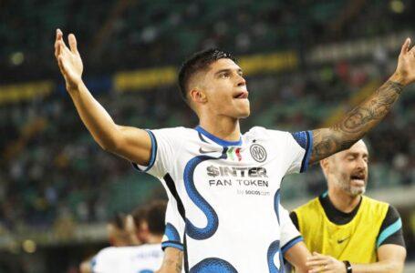 InterÕs Joaquin Correa jubilates after scoring the goal 1- 2 in action during the Italian Serie A soccer match Hellas Verona  vs F.C. Inter at Marcantonio Bentegodi stadium in Verona, Italy, 27 August 2021. ANSA/EMANUELE PENNACCHIO